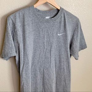 Nike Gray Tee Regular Fit Size Medium